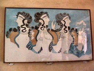 Knossos - 3 ladies