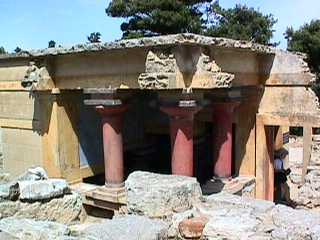 Knossos - room with 3 columns